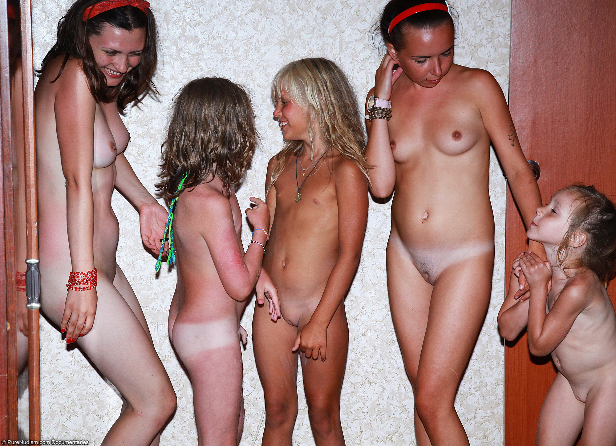 nudist fam COM - Nudist Family Hangs Out in the Bedroom Picture