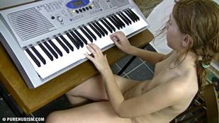 Pure Nudism Piano - IgFAP